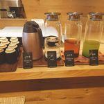 フラックス カフェ - ランチタイムの豊富なお茶