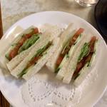 95022830 - モーニングサービスの野菜サンドゥイッチ