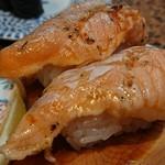 すし弁慶 - 炙りトロサーモン
