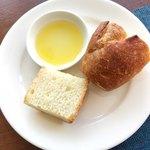 サーレ・ペペ ドゥエ - 温かいパン