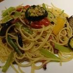 95029153 - 野菜と農家のベーコンのスパゲッティ