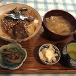ばぁばのごはん - 料理写真:飛騨牛カルビ丼のランチ@900円