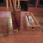 隈本総合飲食店 MAO - 京番茶とテーブルセット
