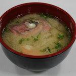 玄洋食堂 - 漁師汁(200円)!魚介の旨みがギュッと濃縮されたお味噌汁です。