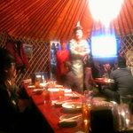 モンゴルレストラン シンキロー - モンゴル衣装を気軽に。