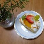 デセール菓樹 - シュークリームのケーキ