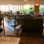 グリーンルーム ダイニング&カフェ - 店内