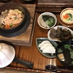 87 - 鮭色どり釜飯(期間限定)