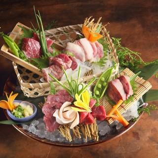 南九州の食材にこだわった郷土料理黒豚・馬刺し・桜島鶏など
