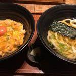 麺匠の心つくし つるとんたん - 親子丼(うどん一汁付き)(¥1180)