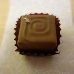 チョコレート工房 クレオバンテール - 藻塩ショコラ