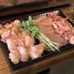なかの食鶏 - 左から、テール、ささみ、せせり 各498円