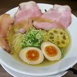 麺や いちころ - 料理写真:【しお + 煮玉子】¥720 + ¥100