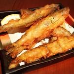 ヒラクヤ オステリア - 本シシャモのフリット ¥800  今日のオススメメニュー。オスメス混ざった提供らしいですが、この時期のメスだからか、卵はありませんでした。揚げたては美味しいですね。