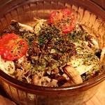 ヒラクヤ オステリア - ツブ貝と木の子の香草パン粉焼き  もう少しツブ貝が入っていると嬉しい。