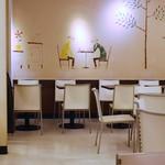 ホリーズカフェ - 店内の雰囲気