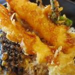 魚輝水産 - 天丼とお造り定食