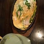 赤札屋 弁慶 - ニラ玉子鉄板焼