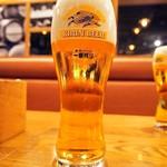 黒毛和牛一頭買い肉バル デルソーレ - 生ビール