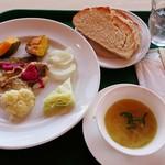 ガーデンカフェ チセ - 料理写真:タラのグリル 温野菜添え 1,380円