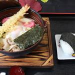 レストラン 函岳 - 【鍋焼きうどん】\850 期間限定:体の芯までぽっかぽか!冬といえばコレ!