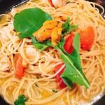 パスタ家 - 生ウニとホタテとフレッシュトマトのオイルベース1.5