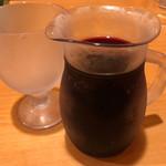 サイゼリヤ - フレッシュワイン デカンタ 200円。