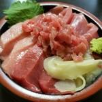 95110696 - マグロ丼