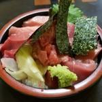 95110699 - マグロ丼