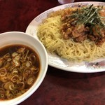 95111470 - 唐あげつけそば(大盛り)830円…麺は冷たく、唐揚げとつけだれは温かい