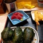 95111771 - めはり寿司定食1100円 串揚げは上のソースを漬けます
