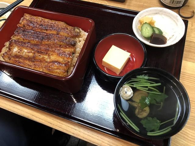 伊豆栄の料理の写真