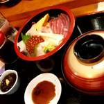 割烹レストラン 磯亭 - 師匠が注文したちらし寿司