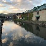 95115603 - 近くの小樽運河。