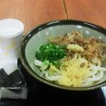 めんめ家 - 土佐うどん(並)+おにぎり 390円