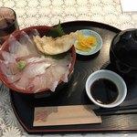 おくうら - 料理写真:おくうら海鮮丼=1404円  税込