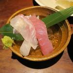 魚料理 ぎん - 焼き魚定食:鯖 ご飯 えのきと豆腐の味噌汁 自家製豆腐 小お造り あぶらげのお浸し 香の物3