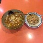 喜久龍 - ちゃんぽん+焼き飯のセット  ¥990