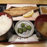 築地活鮮市場 - 焼魚定食