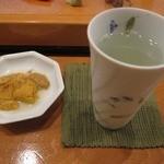 小判寿司 - 美味しい海水雲丹にはお酒でしょう?
