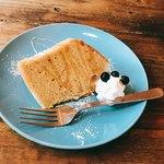 カフェ ジン - ふんわりシフォンケーキ