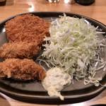 95137377 - 本日のおすすめ定食 カキフライとコロッケ(850円)