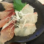95138715 - お刺身は好きなものが選べ、ご飯も白米とす飯が選べます。