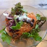 MORETHAN GRILL - サラダ