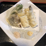 95143943 - あなごの天ぷら、しいたけとシシトウも。