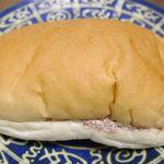 吉田パン - 最初に食べてみた「コンビーフ」は、中身がいっぱい詰まっているのか?特に重量感満点!