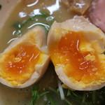 ラーメン イロドリ - 味玉