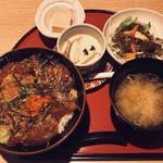 九州屋 頂 - 漁師の漬け丼 ¥1,000