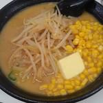 紅蘭 - みそバターコーンラーメン800円(税込) 中華鍋で炒めた挽肉が良い味出してます♪