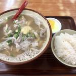 やんばる食堂 - 中身汁600円